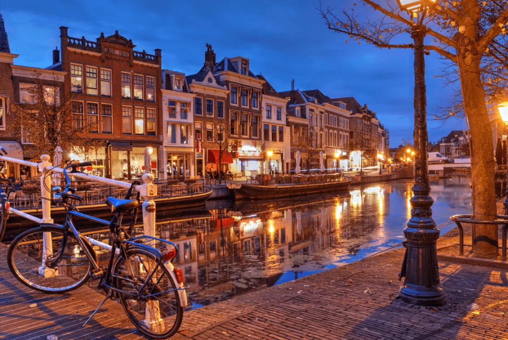 Lieden Netherlands Holland Heritage & Traditional Street Light Manufacturer MSD Lighting